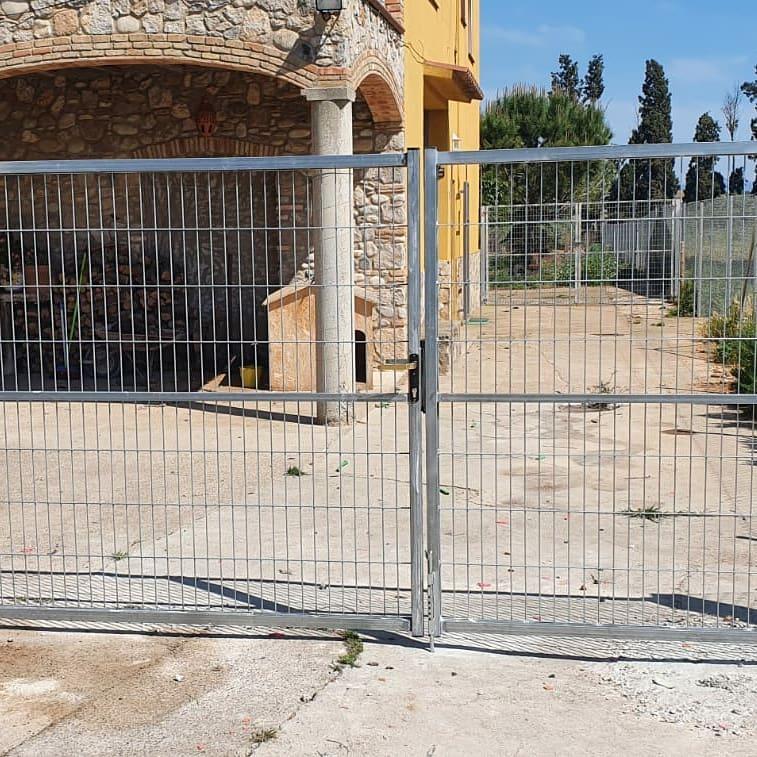 porta galvanitzada